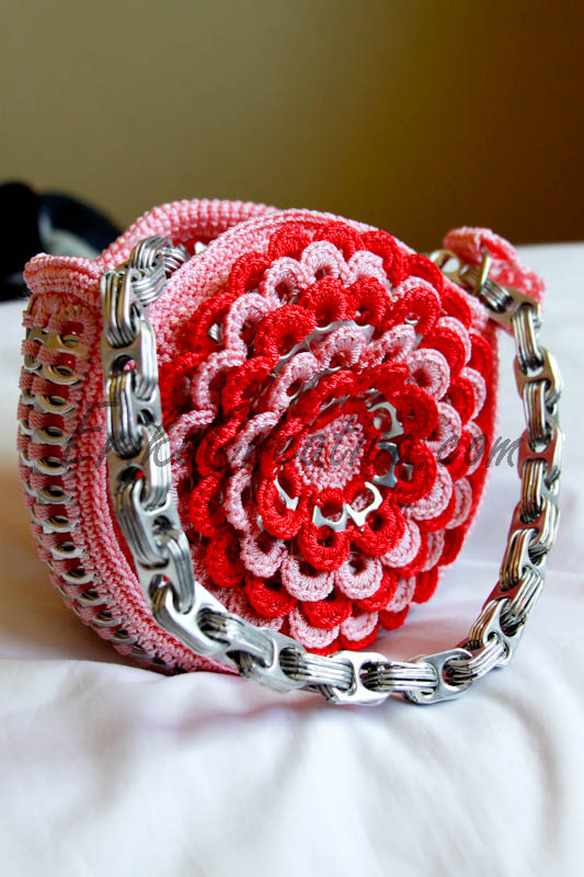 Flower shaped pop tab purse