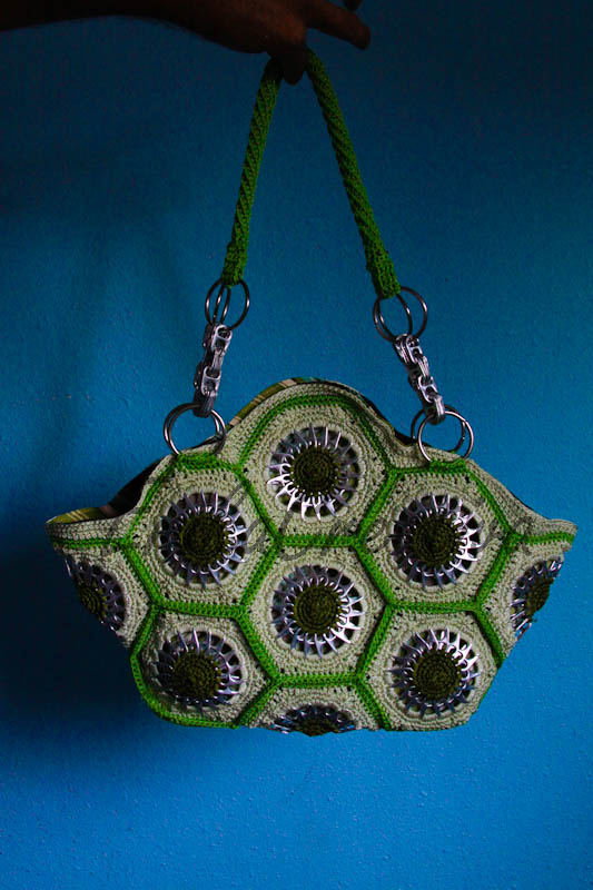 Hexagonal grannys pop tab handbag