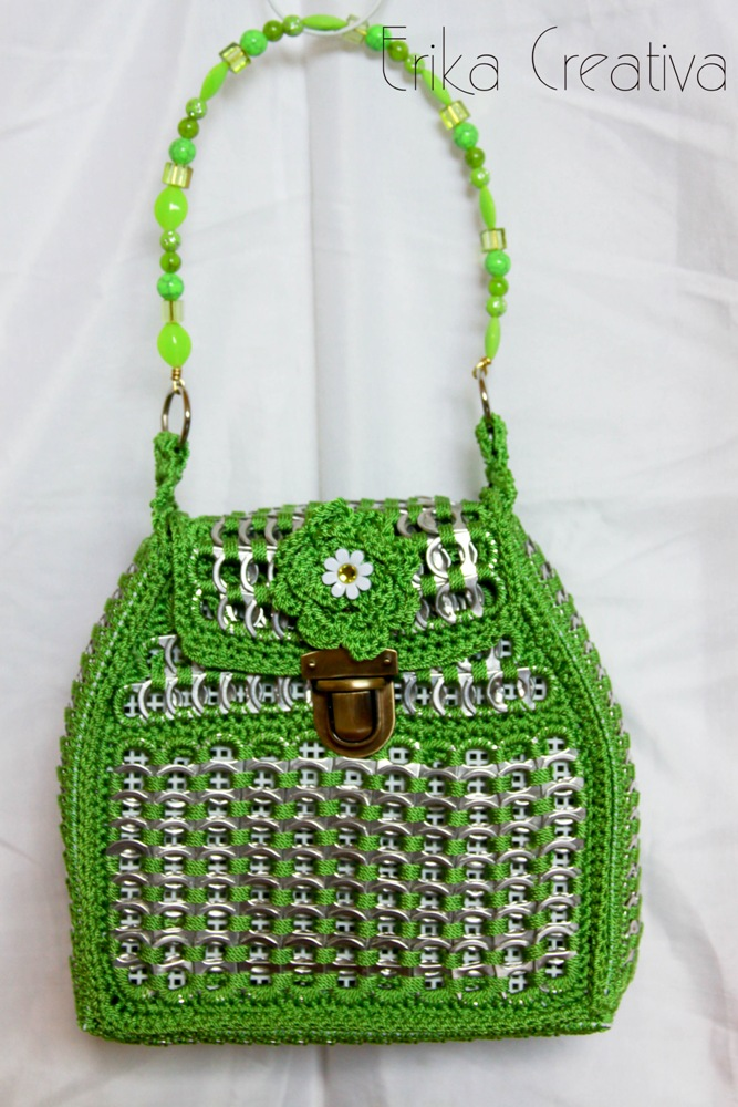 Pop tab purse with beaded handle